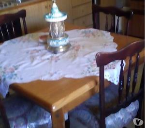 Cerco Tavolo E Sedie Cucina.Vetrina E Armadio Antichi Posot Class