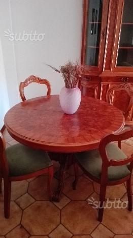 Regalo 6 sedie rivestite in pelle posot class for Tavolo tondo estensibile