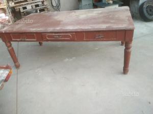 Tavolo vecchio comune nascosto posot class for Tavolo legno vecchio usato