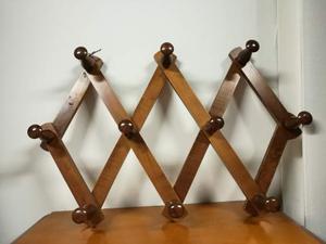 Attaccapanni appendiabiti estensibile a muro in legno
