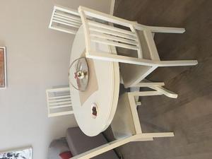 Tavolo apribile 8 posti con 4 sedie