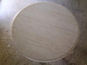 Tavolo in ferro con base d'appoggio in marmo