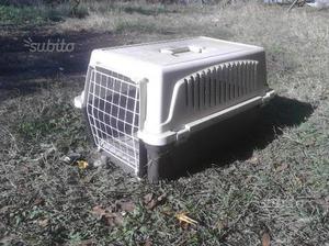 2 gabbiette per gatto e 1 per altri animaletti