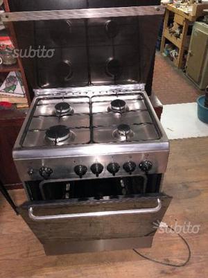 Cucina a gas come nuova