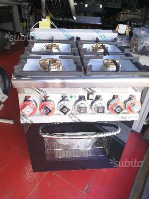 Macchina gas 4 fuochi con forno multifunzione gara