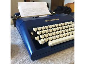 Macchina da scrivere Olivetti lettera 35 blu