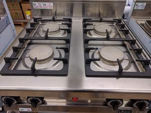 Cucina professionale a gas acciaio e ghisa 4 posot class - Cucina in ghisa ...