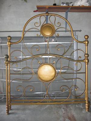 Autentico antico divano letto in ferro dell posot class - Divano ferro battuto antico ...