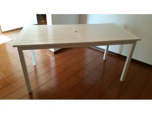 Tavolo in legno bianco laccato da esterno/interno