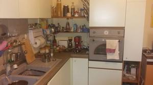 Cucina angolare con frigo forno dispensa posot class for Fornello elettrico ikea