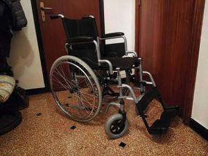 Carrozzina per disabili pieghevole posot class for Sedia a rotelle kometa mediland