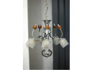 Lampdario cromato con inserti in legno