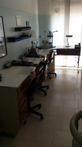 Vendo attrezzatura per laboratorio odontotecnico