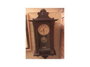 antico orologio a pendolo
