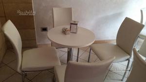 3 tavoli da bar interni e 3 da esterno