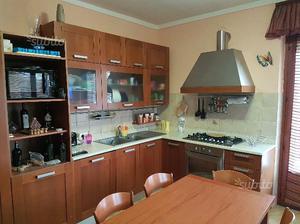 Cucina eff muratura angolare con dispensa | Posot Class