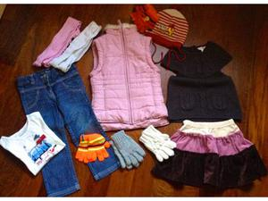 Lotto abbigliamento bambina 3 anni.