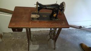 Macchina da cucire d'epoca originale SINGER
