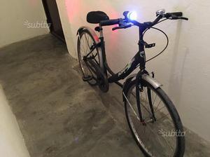 Bicicletta con fari led