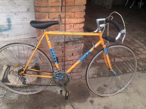 Bicicletta corsa marca titan