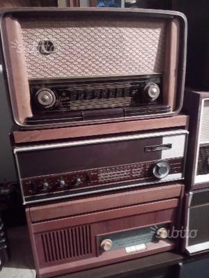 Collezione radio d epoca molte con FM