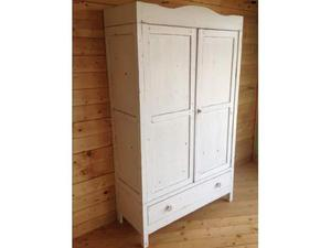 Armadio shabby bianco laccato come posot class for Armadio shabby