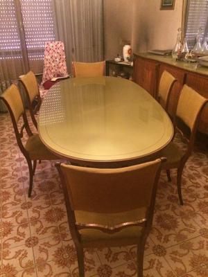 tavola da pranzo con 6 sedie