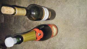 400 bottiglie vuote per imbottigliamento vino sistemate in