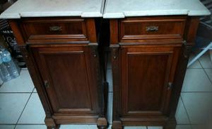 Vendo due mobili in legno e marmo a 300€ entrambi o 150€