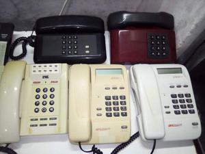 Lotto di 13 telefoni vari tipi e modelli