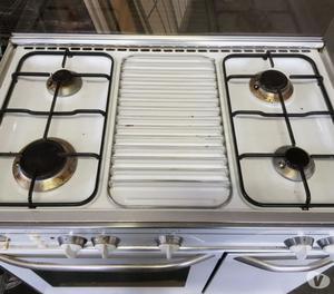 cucina a gas da casa usata con forno