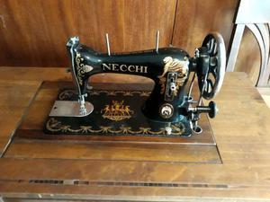 Macchina da cucire necchi antica posot class for Macchina cucire necchi