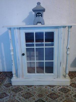 Mobile vetrina in legno laccato in stile Shabby