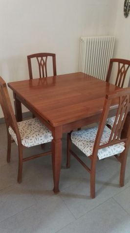 TAVOLO ALLUNGABILE quadrato 1 mt legno massello + 4 sedie