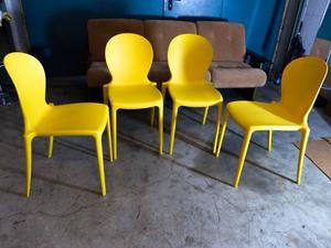 Sedie dal design particolare in plastica posot class - Sedie design plastica ...