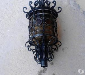 In ferro battuto e vetro lavorato, mai installati....