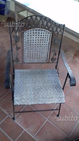 4 sedie in acciaio pesante e intreccio