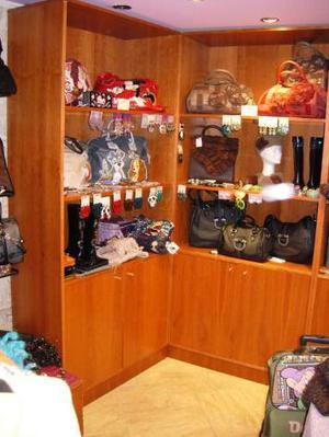 Fine Arredo completo negozio in legno