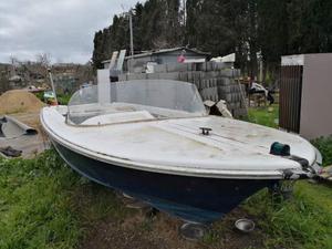 Scafo barca da 5 metri