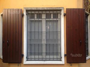 Scuri - Balconi in legno massello