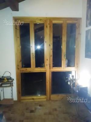 Vetrate con finestre in legno massello