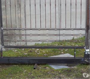 Cancello in ferro di metri 4,0 montato su monoblocco
