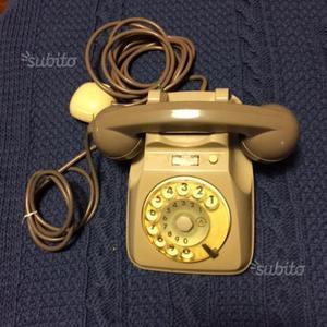 Telefoni anni 70 uno a parete posot class - Telefoni a parete ...