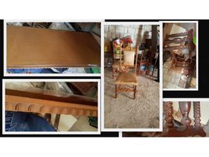 Tavolo antico con sedie