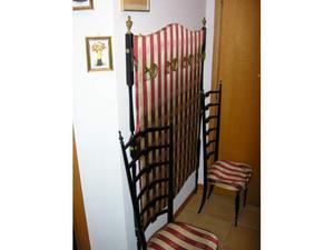 Vendo appendiabiti e 2 sedie in stile liberty