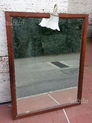Specchio in legno con lampada
