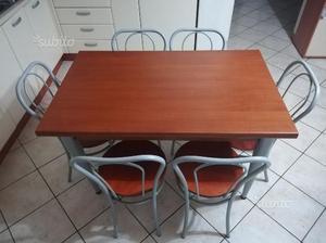 Tavolo da cucina allungabile con 6 sedie