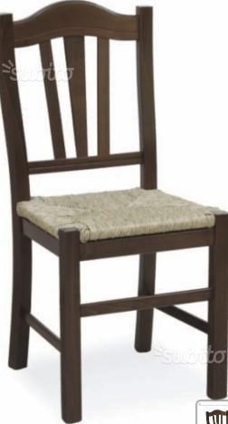 sedie legno e paglia rustiche