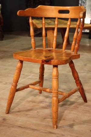 Seggiola rustica in legno di abete