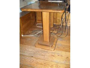 Tavoli in legno massello (castagno)